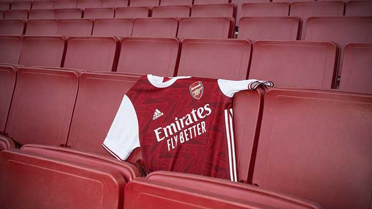 Arsenal dévoile son nouveau maillot domicile