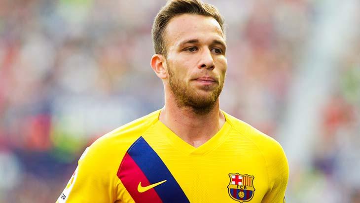 Annoncé à la Juventus, Arthur brise le silence — Barça