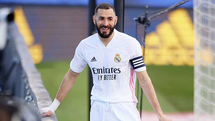 benzema-capitaine-real-sourire