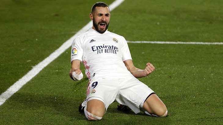 benzema-celebration-genoux-real