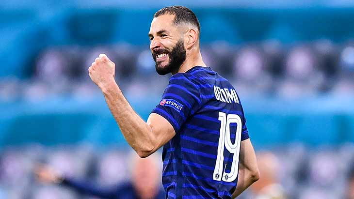 benzema-poing-serre-france-allemagne