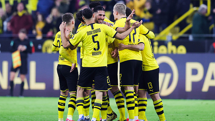 dortmund-groupe-celebration