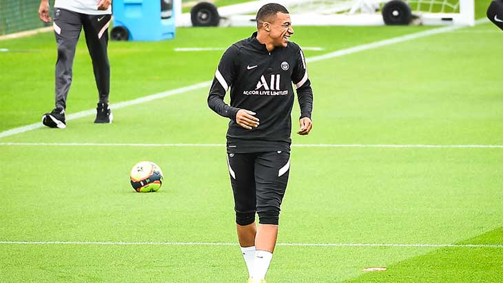 mbappe-training-psg-sourire-new