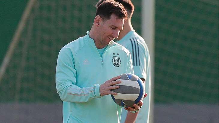 messi-argentine-training-ballon