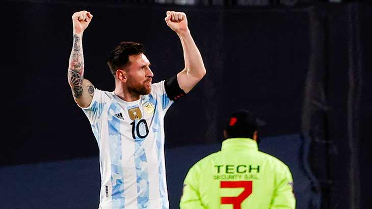 messi-argentine-uruguay-celebration