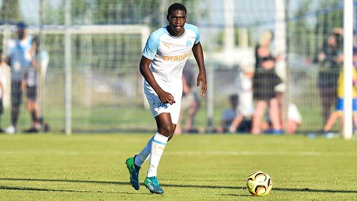 OM Mercato : Le jeune Niels Nkounkou s'engage avec Everton